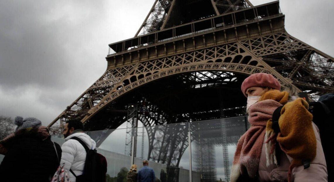 Γαλλία – Κορωνοϊός: Έρημοι οι δρόμοι στο Παρίσι εξαιτίας της απαγόρευσης της κυκλοφορίας