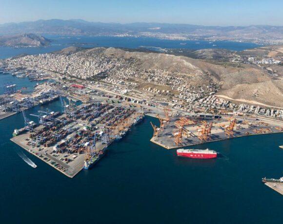 Εκνευρισμός στα κεντρικά της Cosco για τα εμπόδια στην υλοποίηση των επενδύσεων στον Πειραιά