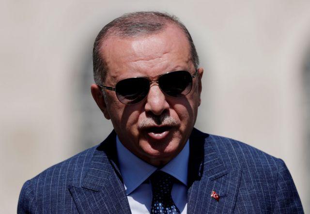 Ερντογάν : Παράπονα σε Τριντό για την αναστολή εξαγωγής τεχνολογίας drone στην Τουρκία