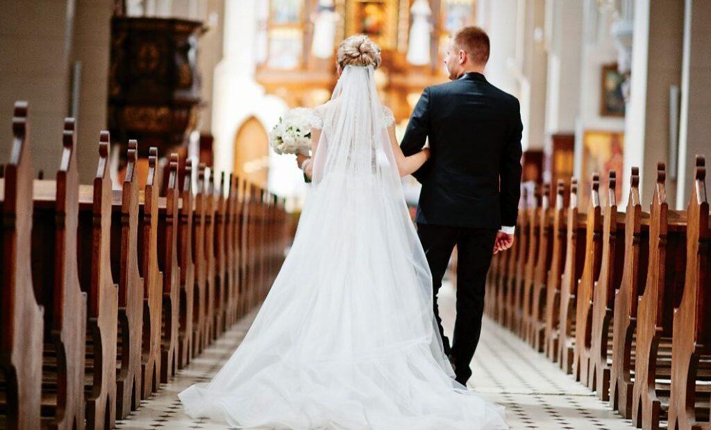 ΗΠΑ : Απαγορεύτηκε γαμήλια τελετή με 10