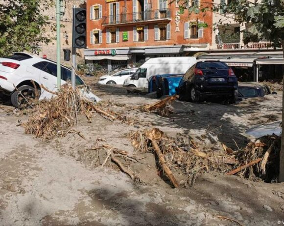 Καταστροφικές πλημμύρες στη Γαλλία