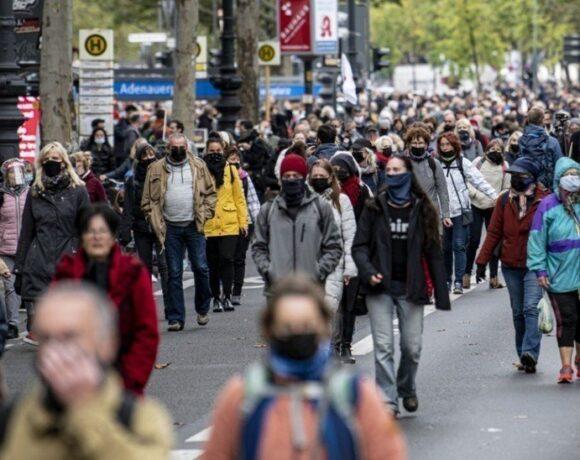 Κορωνοϊός: Επιβάλλονται νέα περιοριστικά μέτρα σε ολόκληρη την Ευρώπη