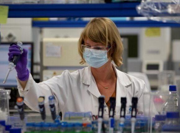 Κορωνοϊός: Πέθανε εθελοντής που συμμετείχε στη δοκιμή του εμβολίου της AstraZeneca