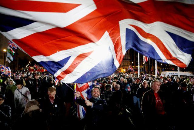 Μισέλ: H Βρετανία πρέπει να εφαρμόσει τη συμφωνία του Brexit, «τελεία και παύλα»