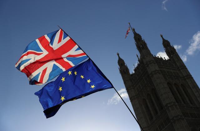 Τζόνσον: Ετοιμαζόμαστε για Brexit χωρίς εμπορική συμφωνία