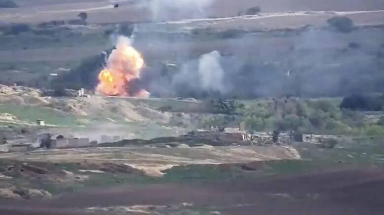 Το Αζερμπαϊτζάν βομβαρδίζει το Ναγκόρνο Καραμπάχ λίγο πριν την εκεχειρία