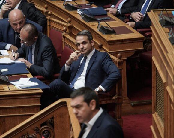Το προφίλ της αποψινής «μονομαχίας» Μητσοτάκη-Τσίπρα στην Βουλή