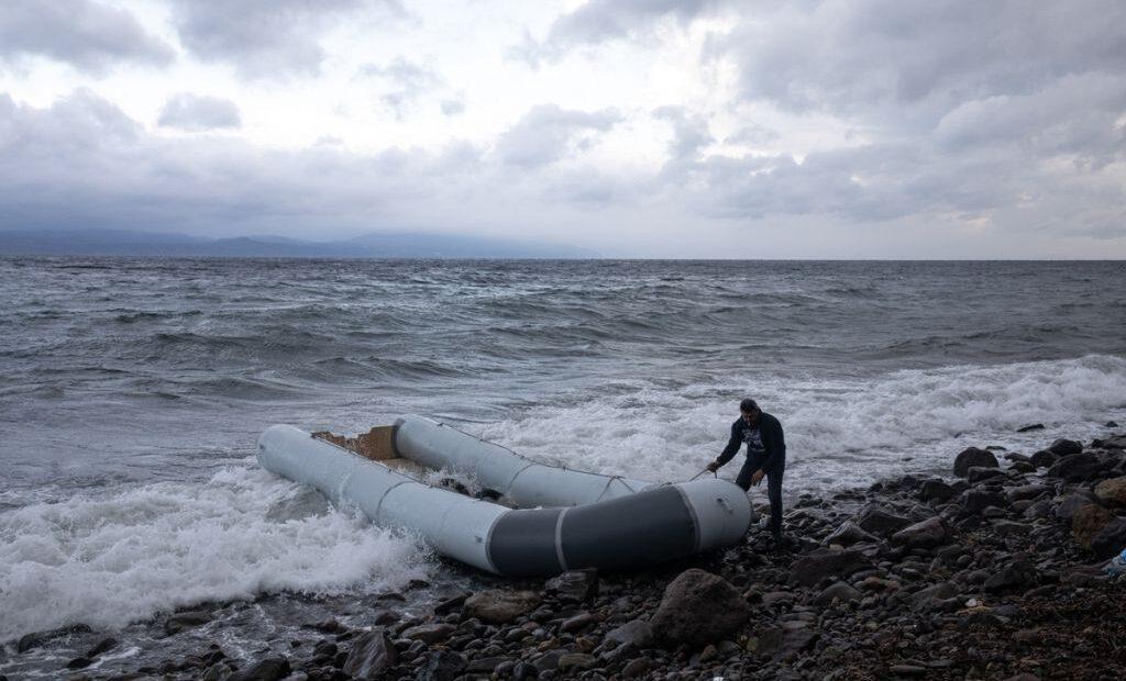 Τυνησία: Τουλάχιστον 21 μετανάστες νεκροί σε ναυάγιο πλεούμενου