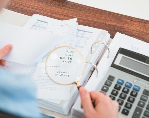 Φόρους κατ' εκτίμηση σε όσους θεωρείται ότι κρύβουν εισοδήματα