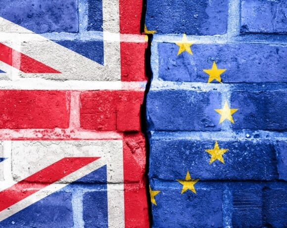 Brexit: Επαναλαμβάνονται οι συνομιλίες ΕΕ – Μ