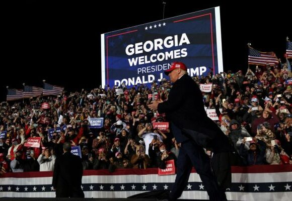 Αμερικανικές εκλογές : «Μια δεύτερη θητεία Τραμπ ίσως καταστρέψει τη δημοκρατία στις ΗΠΑ»