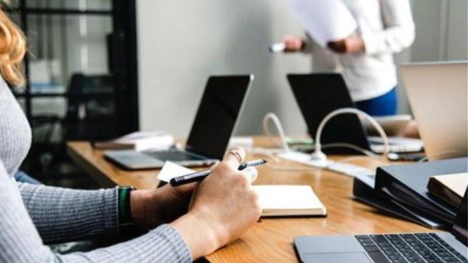 Αναστολές συμβάσεων εργασίας και «Συνεργασία»: Οι νέες προθεσμίες για τις δηλώσεις