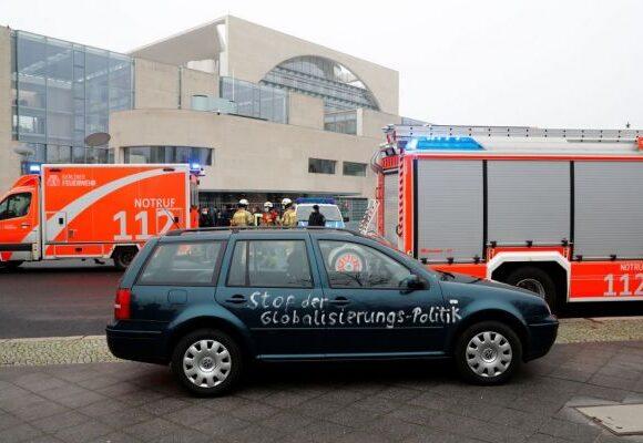 Βερολίνο : Ο δράστης που έπεσε στην πύλη της Καγκελαρίας είχε «ξαναχτυπήσει» το 2014