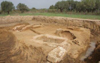 Βρέθηκαν οκτώ τάφοι του 4ου με 2ου αιώνα – Ανήκουν στην νεκρόπολη της αρχαίας Ήλιδος