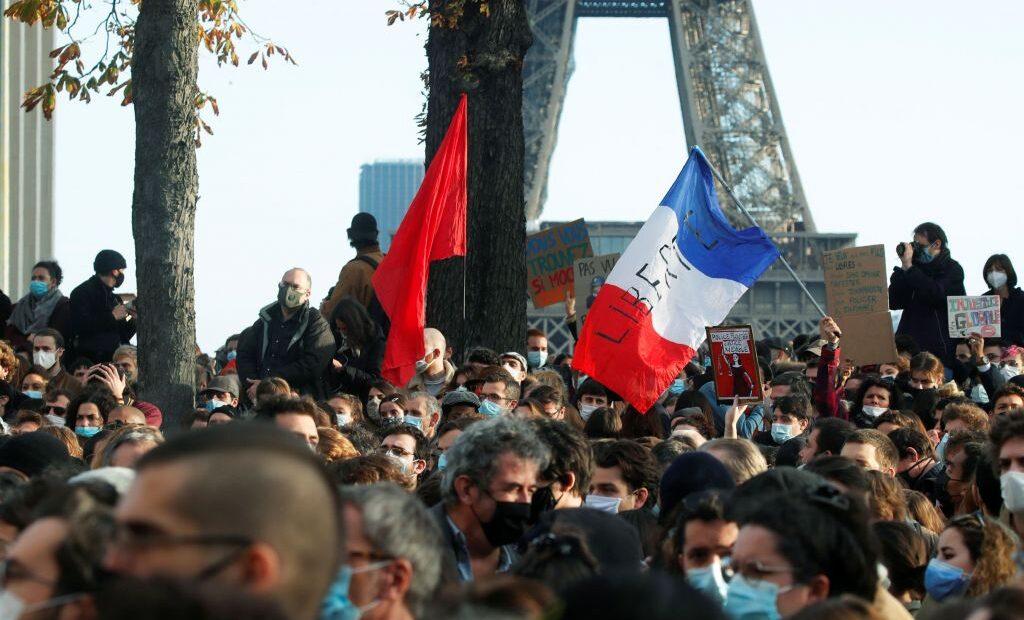 Γαλλία : Σοβαρά επεισόδια στις διαμαρτυρίες για τον νόμο κατά της φωτογράφισης αστυνομικών