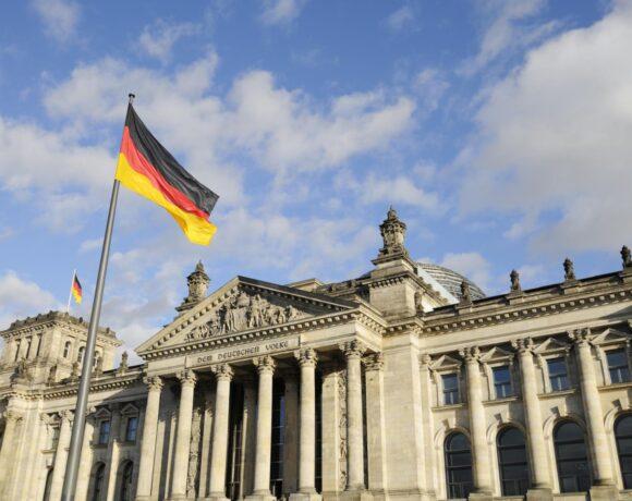 Γερμανία: Έκκληση στις ευρωπαϊκές χώρες να επιτρέψουν την εκταμίευση των 1,8 τρισ