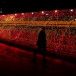 Η Μαδρίτη άναψε τα χριστουγεννιάτικα φωτάκια της ενάντια στην κορονο-κατάθλιψη