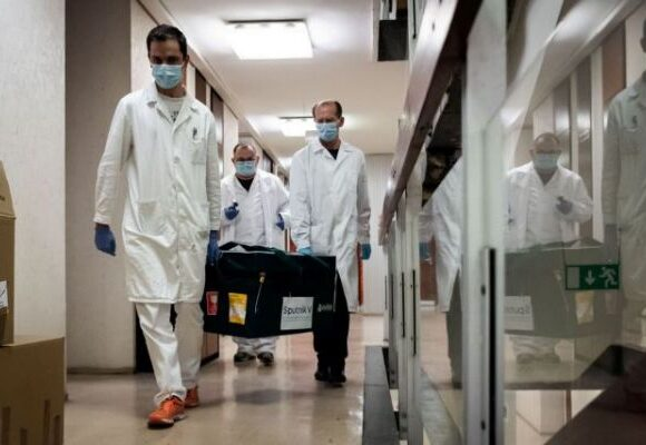 Κοροναϊός : Πόσο πιο φονικός είναι σε σχέση με τα τροχαία και άλλες αιτίες θανάτου