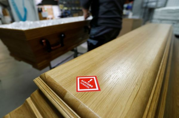 Κοροναϊός : Oι ευρωπαϊκές χώρες ενισχύουν τα μέτρα κατά της πανδημίας