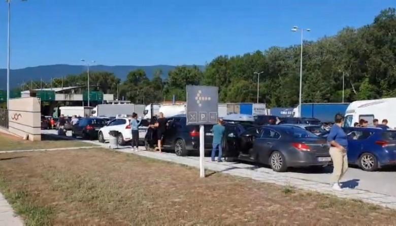 Κορωνοϊός: Τι ισχύει για τα χερσαία σύνορα λόγω της έξαρσης των κρουσμάτων