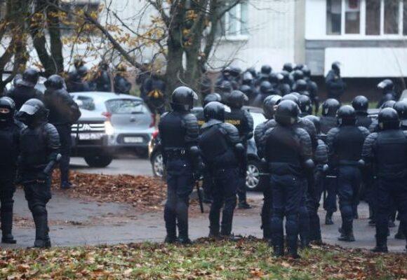 Λευκορωσία: Εκατοντάδες προσαγωγές διαδηλωτών στο Μινσκ και 146 συλλήψεις