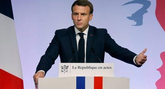 Μακρόν στους FT: Γαλλία: Η Γαλλία «δεν μάχεται εναντίον του ισλάμ»