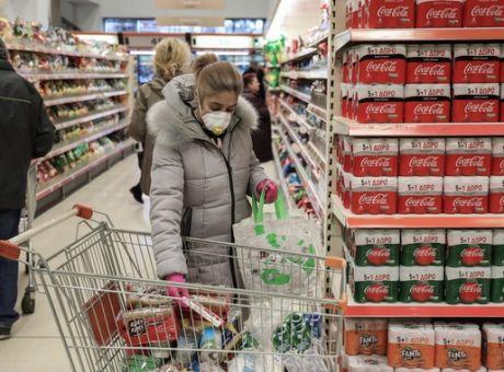 Νέα μέτρα: Πώς θα λειτουργούν σούπερ μάρκετ και εστίαση στις 2 ζώνες της χώρας