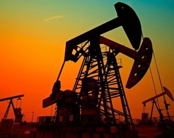 Πετρέλαιο: Κλείσιμο με απώλειες, κέρδη σχεδόν 8% στο σύνολο της εβδομάδας