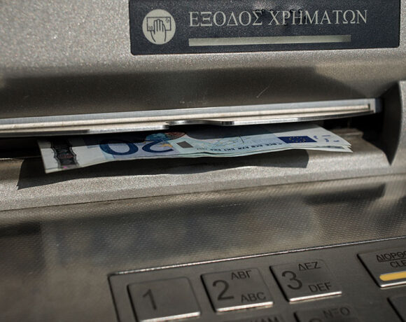 Στην Ελλάδα πληρώσαμε σε έξι μήνες σχεδόν 600 εκατ