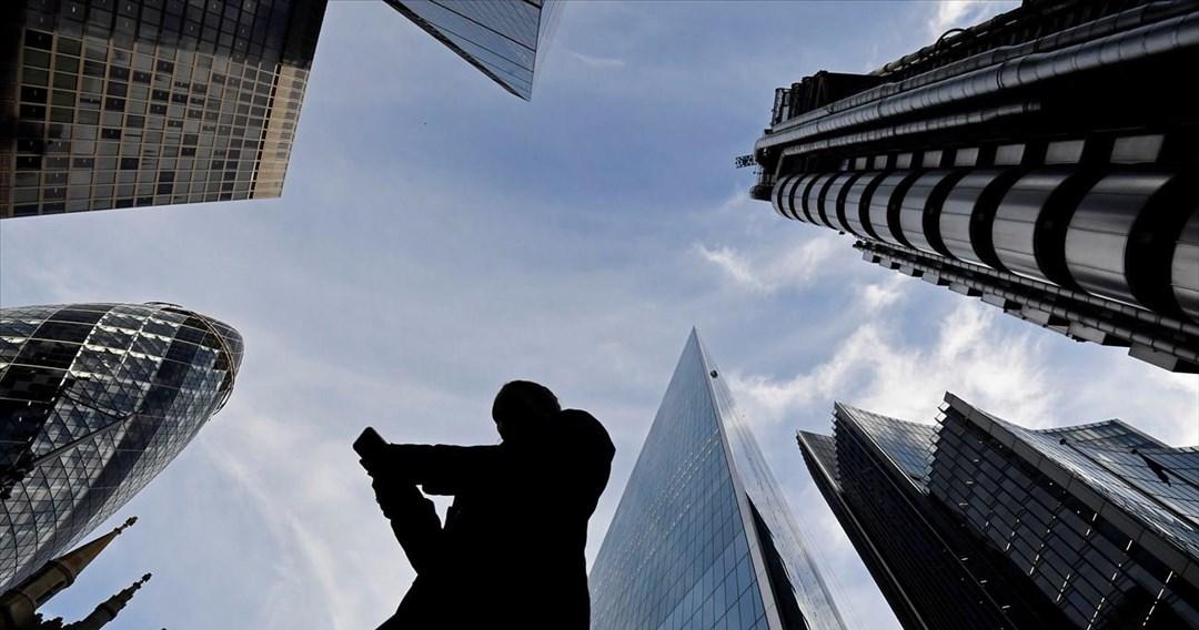 Υπάρχει ζωή μετά το χρέος; Γιατί η αύξηση του παγκόσμιου χρέους τρομάζει τις κεντρικές τράπεζες