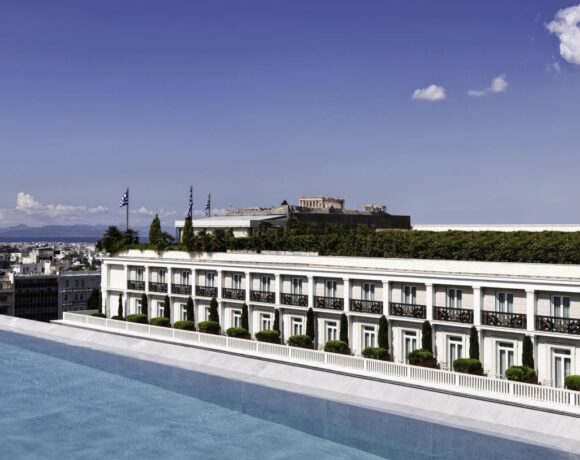 Hotels Open in Athens in 2020 Despite Covid-19 Crisis