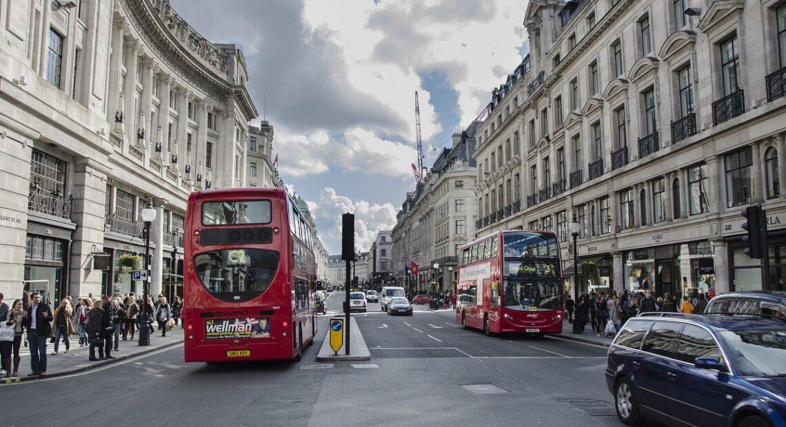 UK Covid-19 Lockdown Bans All Non-essential Travel