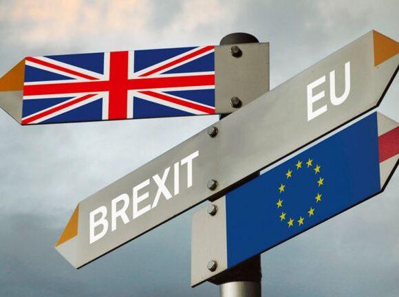 Brexit: Τι αλλάζει στις χρεώσεις περιαγωγής κινητής τηλεφωνίας