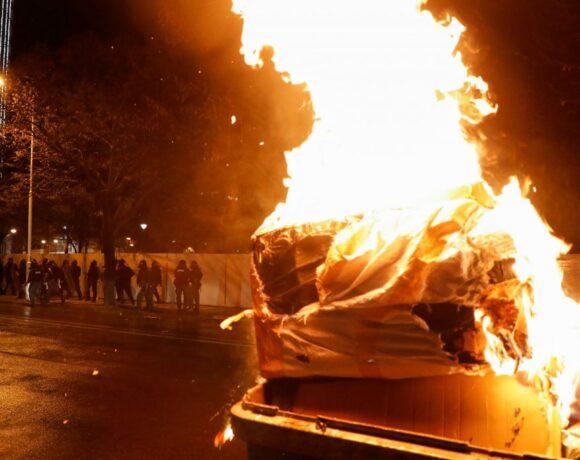 Αλβανία : Δεύτερη μέρα οργής για τη δολοφονία 25χρονου από αστυνομικό – Παραίτηση υπουργού