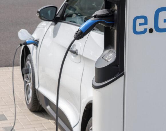 Ηλεκτρικά αυτοκίνητα στην Ελλάδα από τη Next.e