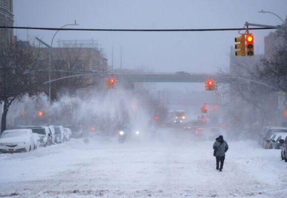 ΗΠΑ : Πρωτόγνωρη κακοκαιρία – Οι χιονοπτώσεις «παρέλυσαν» τις μετακινήσεις