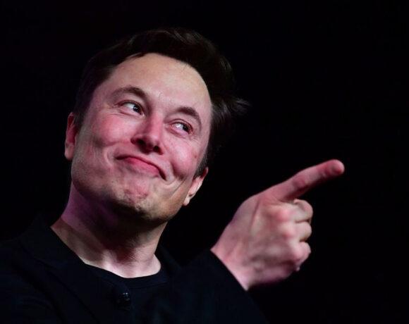 Ο Elon Musk ήθελε να πουλήσει την Tesla στην Apple