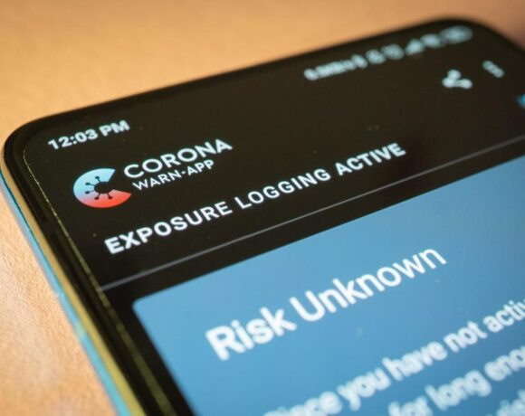 Πώς λειτουργεί το σύστημα προειδοποίησης Covid-19 μέσω κινητών στην Αμερική;