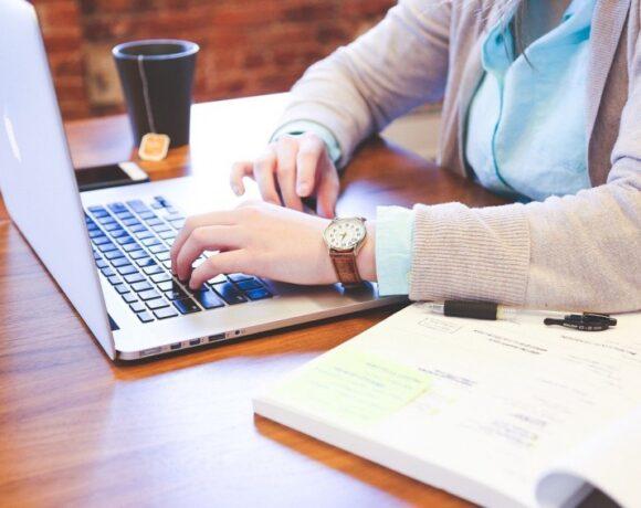Τι ισχύει για τις αναστολές τον Δεκέμβριο σε επιχειρήσεις ιδιωτικού τομέα