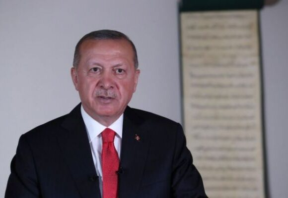 Τουρκία : Η αντιπολίτευση καταγγέλλει ότι οι γιοι του Ερντογάν δεν πήγαν στρατό