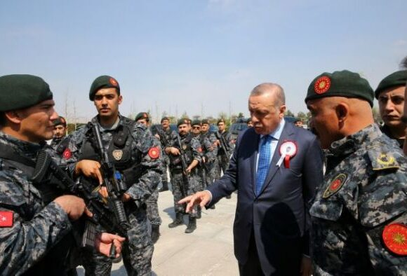 Τουρκία : Υπό κράτηση δεκάδες στρατιωτικοί για την απόπειρα πραξικοπήματος κατά Ερντογάν
