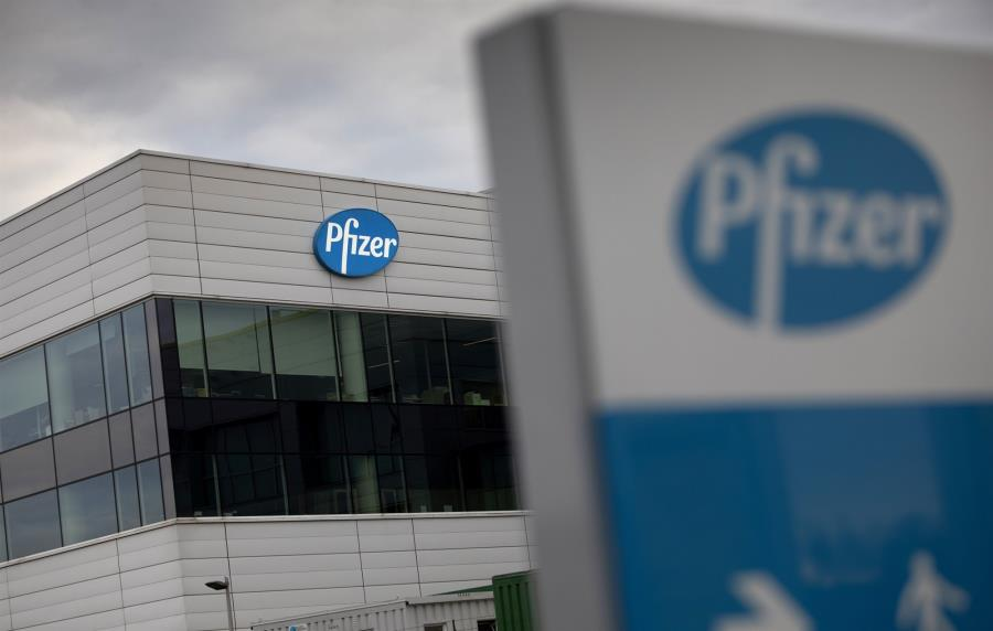 Pfizer: Πρόβλημα με πρώτες ύλες – Μειώνει στο μισό διαθέσιμες δόσεις μέσα στο 2020