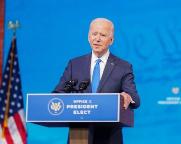 Biden May Reverse Trump's Order to Lift US Covid-19 Travel Ban on Europe