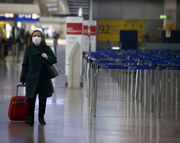 Ανώμαλη προσγείωση της παγκόσμιας αεροπορικής κίνησης το 2020 – «Βουτιά» 60% λόγω πανδημίας