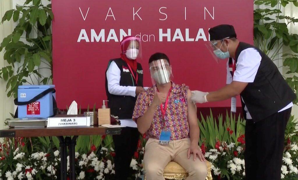 Γιατί η Ινδονησία δίνει προτεραιότητα στον εμβολιασμό των influencers