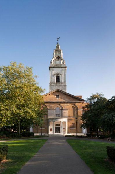 Εκκλησία στο Λονδίνο γίνεται παράλληλα χώρος πολιτισμού μετά από μια εμπνευσμένη ανακαίνιση