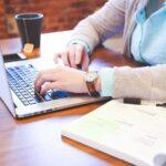 Ευρωκοινοβούλιο: Το δικαίωμα στην «ψηφιακή αποσύνδεση» των εργαζομένων ζητούν οι Ευρωβουλευτές