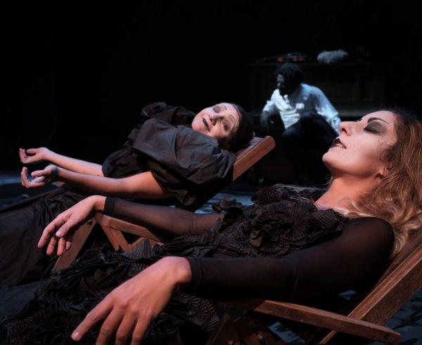 Η «Ευρυδίκη» της Sarah Ruhl στο θέατρο Πορεία σε σκηνοθεσία Τάρλοου