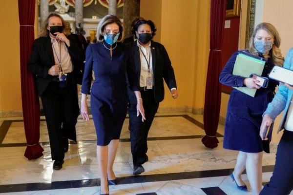ΗΠΑ : Ένα βήμα πριν την παραπομπή του Τραμπ – Κόλαφος η Πελόσι στη Βουλή