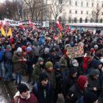Κοροναϊός – Αυστρία : Στους δρόμους χιλιάδες διαδηλωτές κατά των μέτρων για την πανδημία